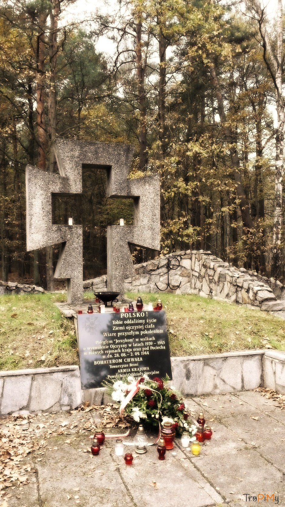 """Pomnik Pamięci """"Jerzyków"""""""