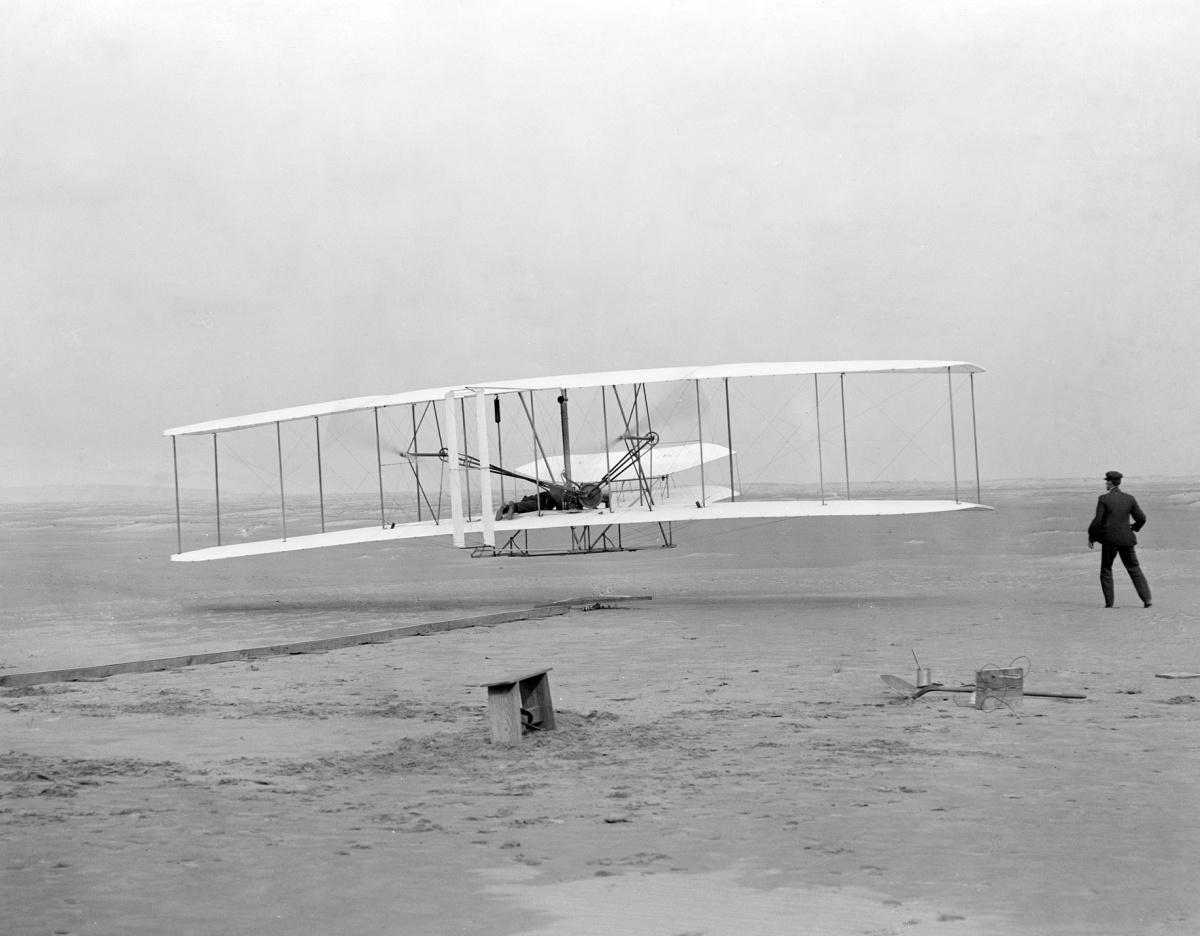 Pierwszy zakończony sukcesem lot braci Wright, źródło: http://www.loc.gov/pictures/resource/ppprs.00626/