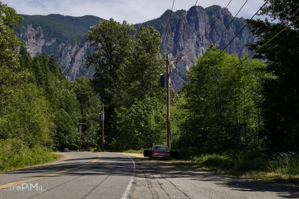 Twin Peaks - zakręt z intro serialu