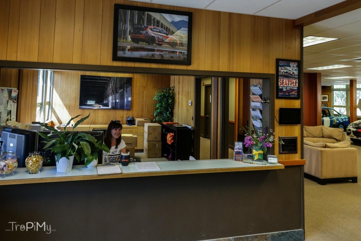 Twin Peaks - biuro szeryfa, Magda jako recepcjonistka Lucy
